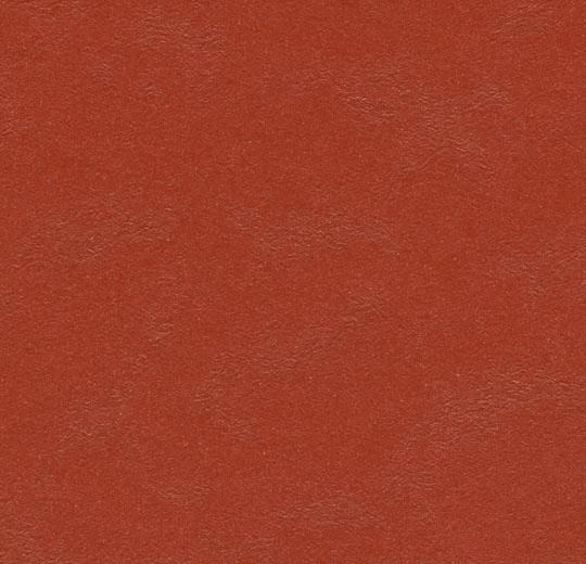 3352 Berlin Red