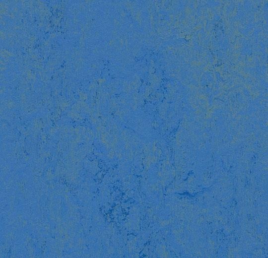 3739 Blue Glow