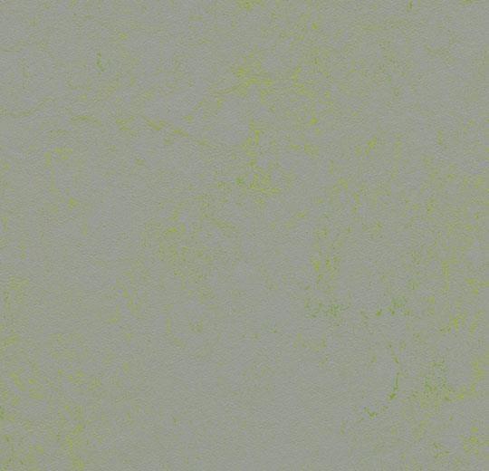 3736 Green Shimmer