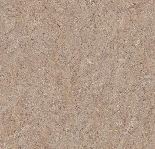 5804 Pink Granite